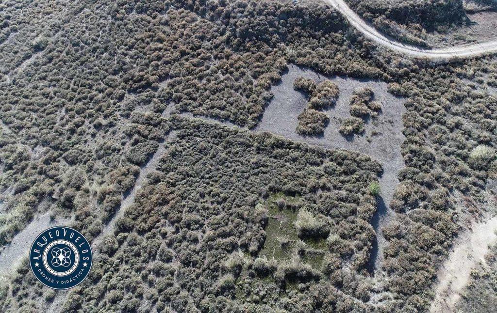 Restos de una vivienda romana con peristilo excavada en la zona este del yacimiento